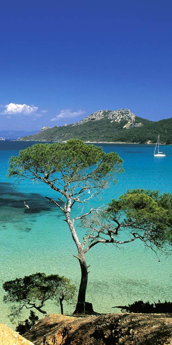 Ile de Ré, Ouessant, Porquerolles... Le temps d'un week-end, évadez-vous en famille ou en amoureux dans une île de rêve ! #PACA #Onyva