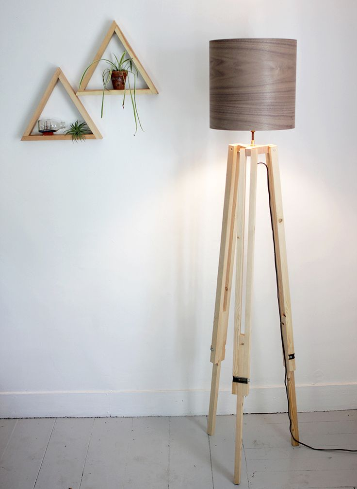 A brilliant plan for making your own tripod lamp. #DIY