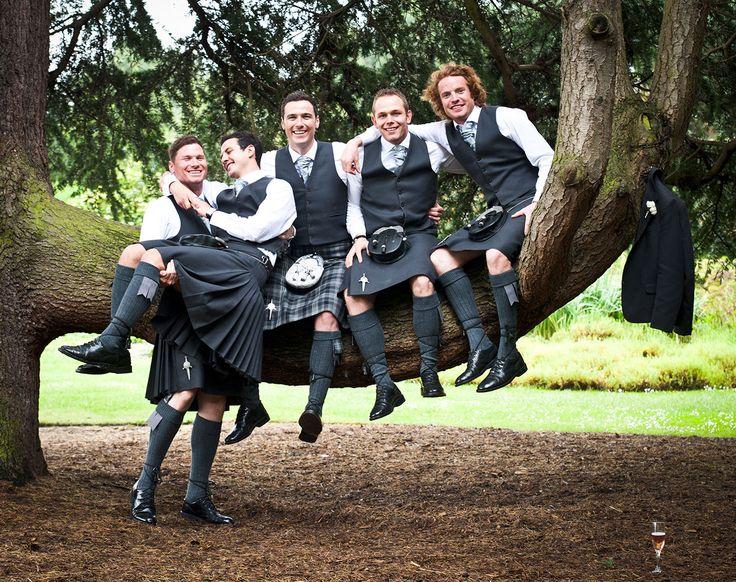 Gotta love #scottishwedding #kilt #blackkilt #groom #bestmanoutfit #scottishkilt #bridetobe #brides #wedding