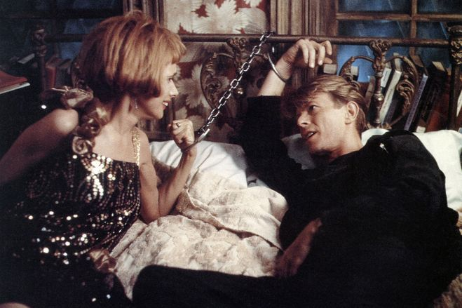 Rosanna Arquette and Bowie in 'The Linguini Incident' (1991).