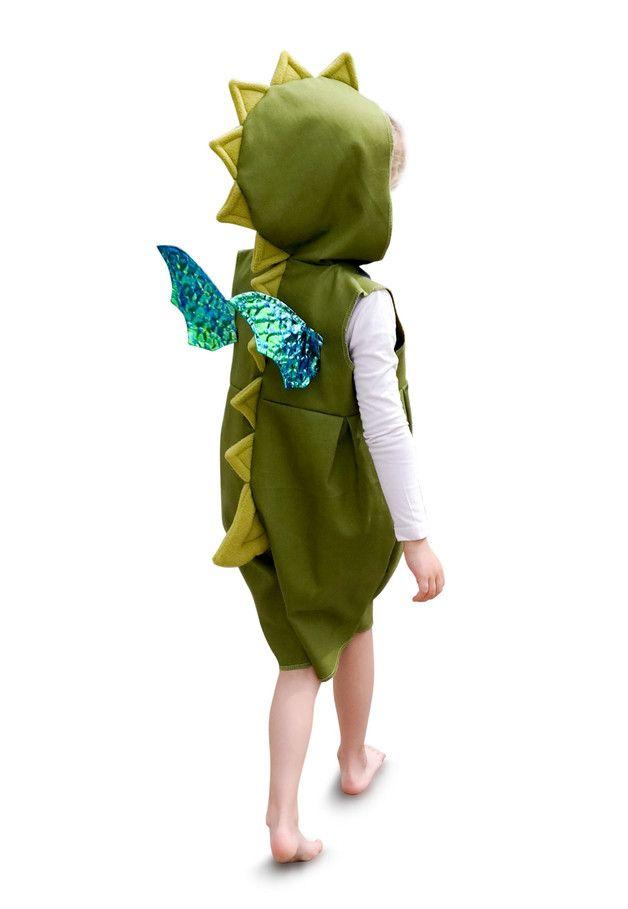 **kleiner Drache**  Das Kostüm gibt es in Größe 86/92, 98/104 oder 110/116. **Bitte beim Kauf die Größe mit angeben!**  Limitierte Auflage des süßen Drachenkostüms aus meiner...