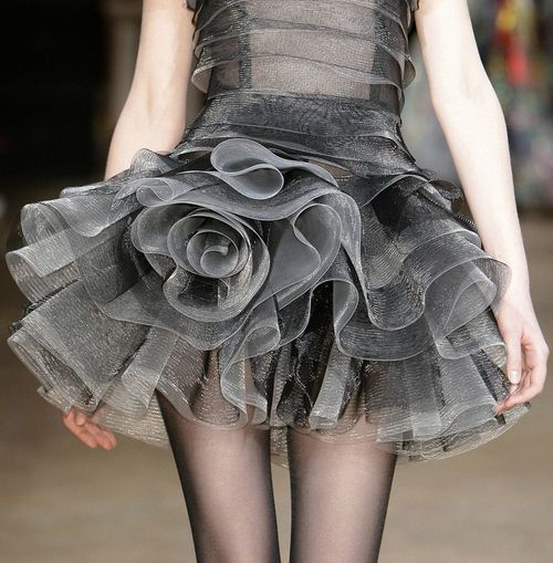 Talbot Runhof f/w 2010 charcoal gray and pink is my favorite fall color together..gray goes everywhere
