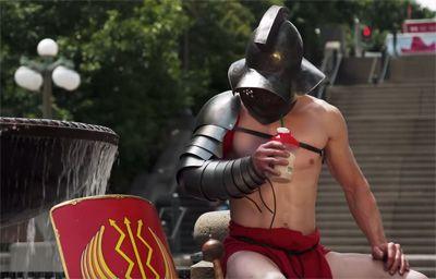 古代ローマの剣闘士いわゆるグラディエーターは闘う人ではありますが、別の側面から真実を知ればもっとおもしろい。カナダ戦争博物館が夏に開催された「Gladiators and the Colosseum – Death and Glory」展のCMで、今まで知らなかったグラディエーターの一面を紹介しています。