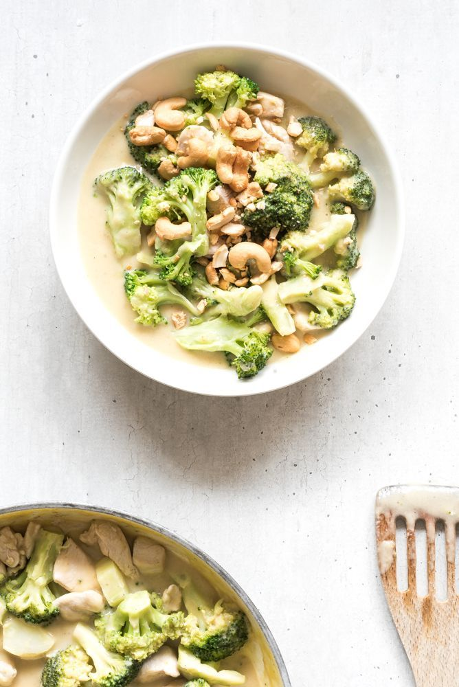 Kip mango curry met broccoli en cashewnoten