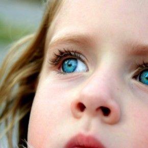 Как утверждают ученые, камера смартфона может обнаружить рак сетчатки глаза, который чаще всего встречается у детей до 5-ти лет. Офтальмологи из США выяснили, что камера смартфона способна распознать редкое онкологическое заболевание – ретинобластому. Это рак сетчатки глаза, которому в основном подвержены дети возрастом до 5-т лет.   Read more: http://about-vision.ru/uchenye-kamera-smartfona-sposobna-obnaruzhit-rak-glaza-u-detej/#ixzz3b2pRqhlf