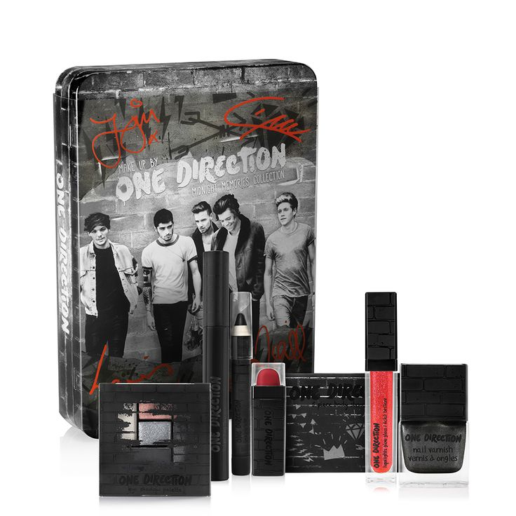 Autographed Make-up by ONE DIRECTION Giveaway - Rattles & Heels #giveaway #makeup