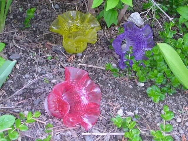 64 best images about recycled glass yard art on pinterest for Recycled glass garden ornaments