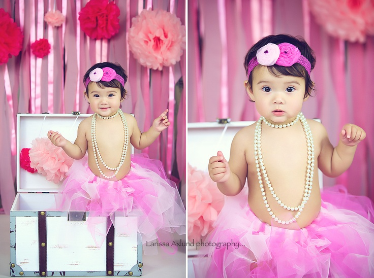 1 st birthday photo session    http://www.facebook.com/pages/Larissa-Axlund-photography/101005039996749?ref=tn_tnmn