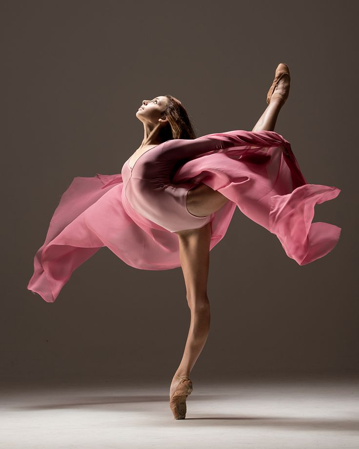 I love this stunning #ballet picture, such movement comes through, yet the…