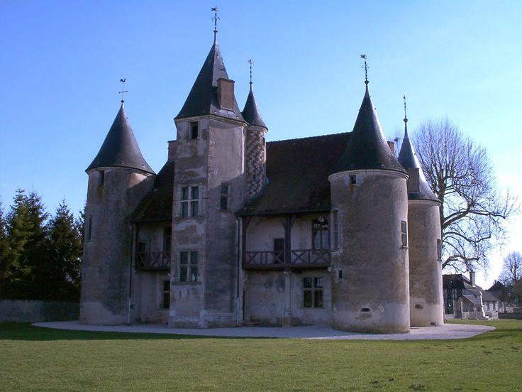 La province française · manoir des tourelles à rumilly lès vaudes dans le département