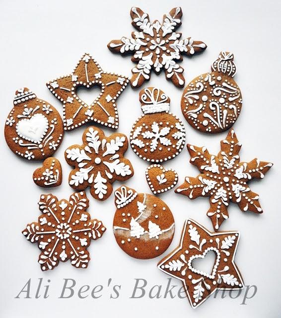 Ali Bee's Bake Shop: Tutorial: Making Snowflakes