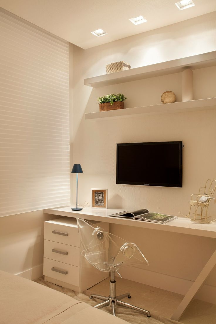 Apartamento Ipanema / Eloy & Travaglini #bedroom #homeoffice