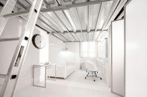 Studio Fotografico Limbo a Roma: Il camerino per il Trucco e la preparazione delle Modelle per lo Shooting Fotografico