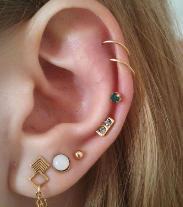 best 25 ear piercing studs ideas on pinterest tragus piercing earrings all ear piercings and. Black Bedroom Furniture Sets. Home Design Ideas