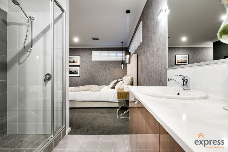 Double ensuite in the luxurious master
