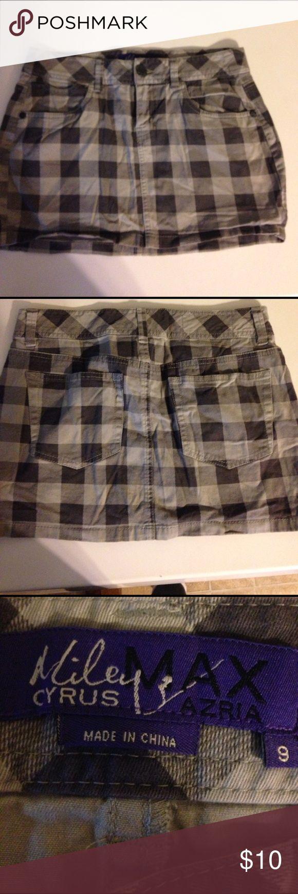 Miley Cyrus Max Azria plaid skirt. Sz 9 Miley Cyrus Max Azria plaid skirt. Sz 9 Miley Cyrus.  Skirts