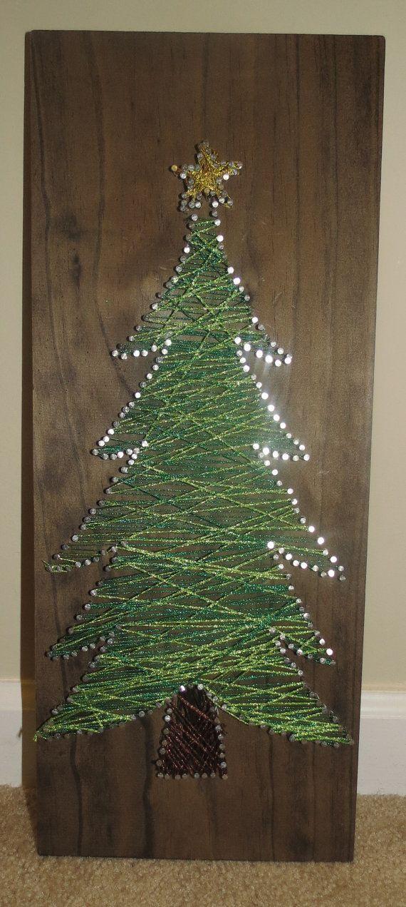 String and Nail art - Christmas Tree: