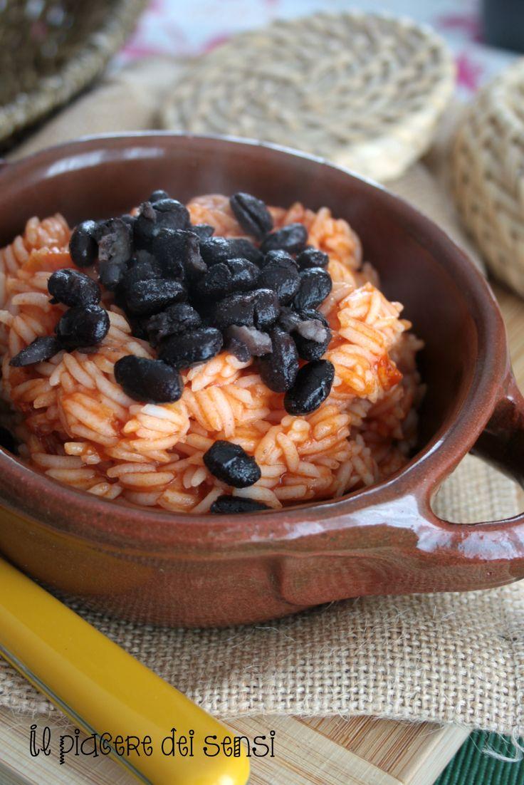 RISO BASMATI AL POMODORO CON FAGIOLI NERI - translate button inside per la ricetta clicca qui -> http://ilnuovopiaceredeisensi.altervista.org/riso-basmati-al-pomodoro-fagioli-neri/ #buongiorno   #buonappetito   #riso   #fagioli   #proteine   #pecorino   #ilpiaceredeisensi