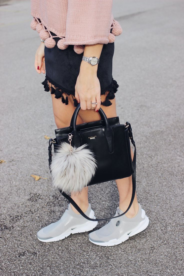 17 Best images about Outfit Inspiration And Street Style Fashion on Pinterest | Ankle socks ...