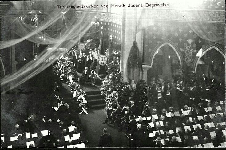 Christiania Kristiania Henrik Ibsens Begravelse. Trefoldighedskirken. Utg Norsk .Kunstforlag 1906.