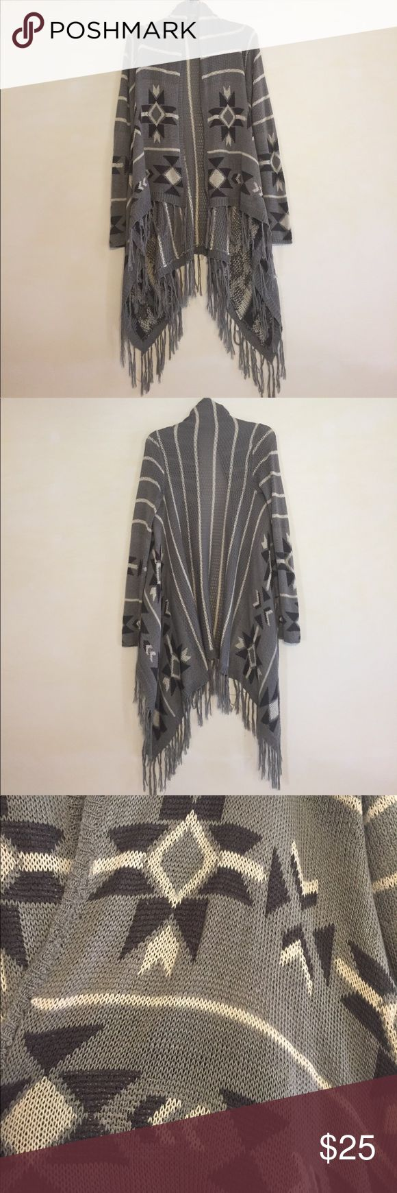 Full Tilt Gray, White & Black Tribal Cardigan, M This super cute Full Tilt Gray, White & Black Tribal Cardigan, M is great to wear during those cooler summer evenings around the fire with friends! In good condition, no defects and comes from a smoke/pet free home. Full Tilt Sweaters Cardigans