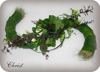 Allerheiligen bloemschikken: Creatief bloemstuk maken als grafstuk voor Allerheiligen - Allerheilgen bloemstuk voor op het graf van een geliefde