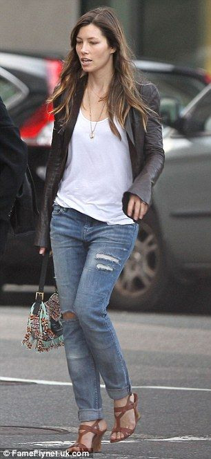 His biggest fan! Jessica Biel plays it casually cool as she arrives in Boston to…