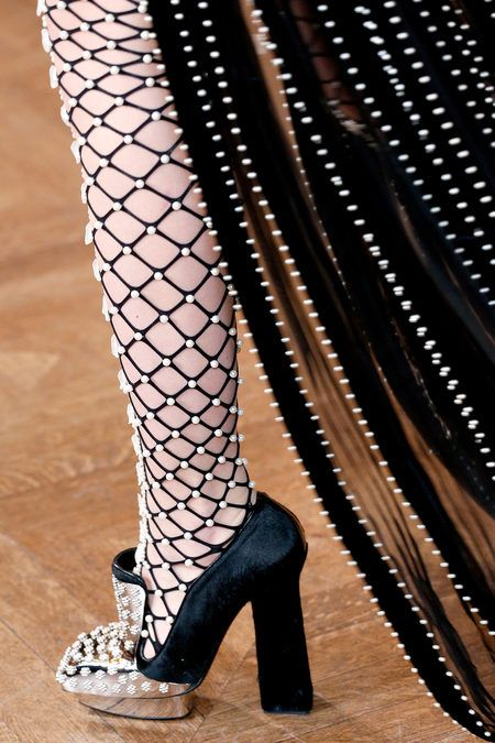 Alexander McQueen Fall 2013 Ready-to-Wear Collection. love this shoe!