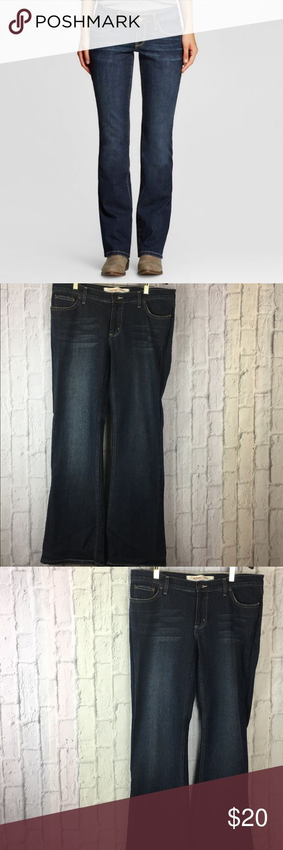 """✨Mossimo Boot Cut Jeans✨ Get a modern, classic look with Women's Low-Rise Bootcut Jeans from Mossimo. These women's jeans have an everyday look with a tried-and-true fit. They have a low-rise waistline with a slim leg and bootcut leg opening. Plus, they're stretchy for a comfy feel. Pair these bootcut jeans with a tee and cardigan for a casual outfit  YOU ARE BUYING: Women's Jeans   STYLE: Bootcut  COLOR: Dark Blue  SIZE: 11  CONDITION: NWOT   MEASUREMENTS ⤵️  41"""" length 19"""" hips 31"""" inseam…"""
