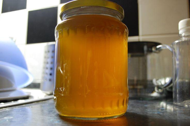 Pampeliško-kopřivový sirup s meduňkou | Ze zahrady do kuchyně