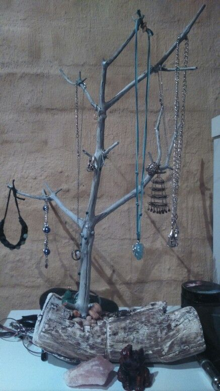 A jewellery hanger i made out of all natural materials :)