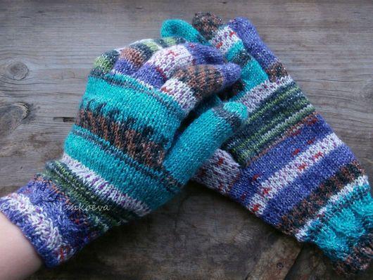Вязаные перчатки женские в стиле деревенский шик. Зимние аксессуары. Женские перчатки вязаные на заказ. Подарок на Новый год. Вязаные перчатки купить. Перчатки вязаные для хорошего настроения.