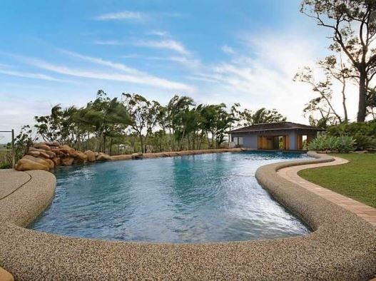 Townsville, Queensland, Australia • Huge House in Tropical North Queensland • VIEW THIS HOME  ►   https://www.homeexchange.com/en/listing/461336/