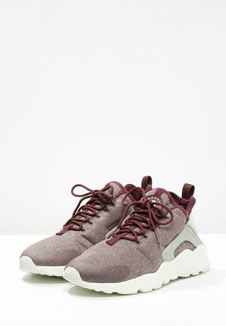 Nike air huarache maroon