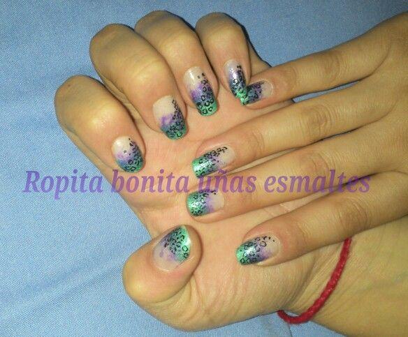 Nail art de leopardo morado y verde Esmeralda :)