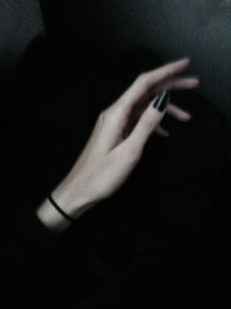 Juliet Jardin / Juliet's hand / 2. / julietjardin.tumblr.com