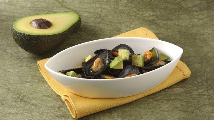Zuppa di cozze e avocado