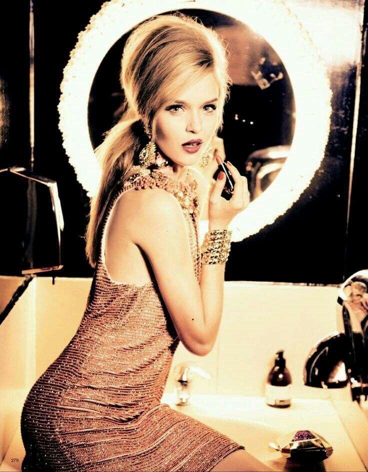 """""""Egy perc és indulhatunk"""" :) #makeup #friday #party#"""