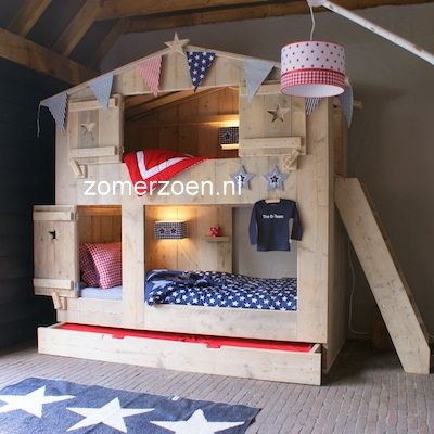 #bunk bed #stapelbed #3 kids #stapelbed met logeerlade  http://www.zomerzoen.nl/3-persoons-stapelbed-boaz.html