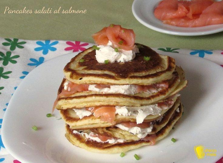 PANCAKES SALATI AL SALMONE #pancake #salmone #salmon #ricetta #recipe #brunch #ilchiccodimais http://blog.giallozafferano.it/ilchiccodimais/pancakes-salati-al-salmone/