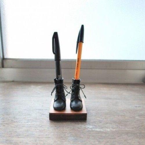 編み上げブーツのペン立て 黒