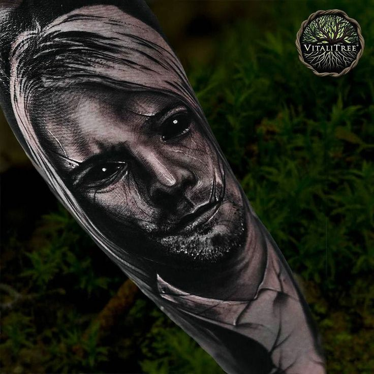 I like the haunting abstractions on these Portraits by @taylor_tatts48. Go to his page and check them out. The Kurt Cobain was my favorite.  .. What is your favorite Nirvana song? ..  #blackandgreyrealism #surreal #nirvana #darktattoo #realism #tattoolovers #blackandgreytattoos #greywash #vitalitreesalve #vitalitreetattoo #vitalitree #kurtcobain #ryantaylor #abstractions