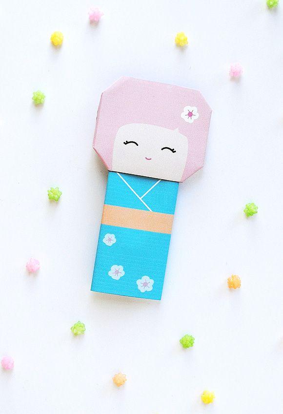 Print and fold this kokeshi doll for Hinamatsuri (Girls' Day, March 3rd).