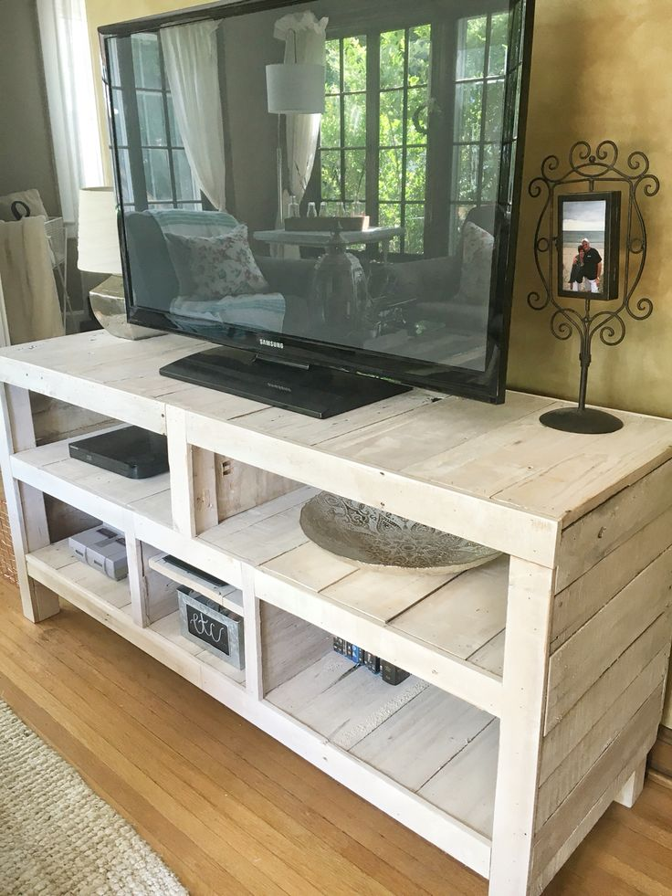 Corner Tv Stand Ideas For Living Room Wall Mount Small Best 25+ Pallet Stands On Pinterest | How To Make ...