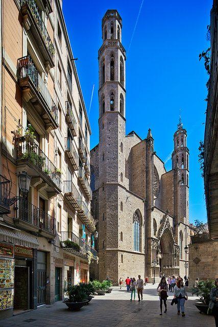Carrer de la Argenteria   Basilica de Santa Maria del Mar   Barcelona, Spain