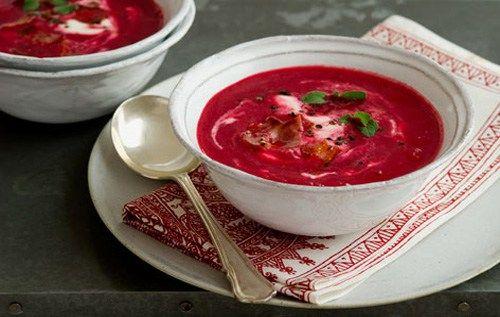 Ekşi Kremalı Pancar Çorbası