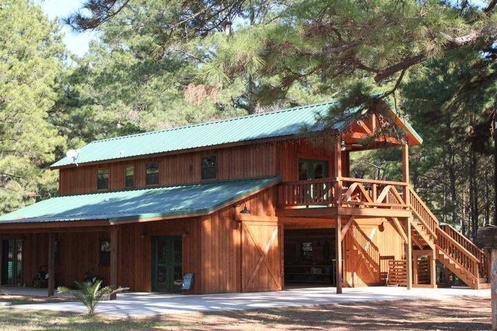 Best 30 Best Horse Barns With Living Quarters Images On 400 x 300