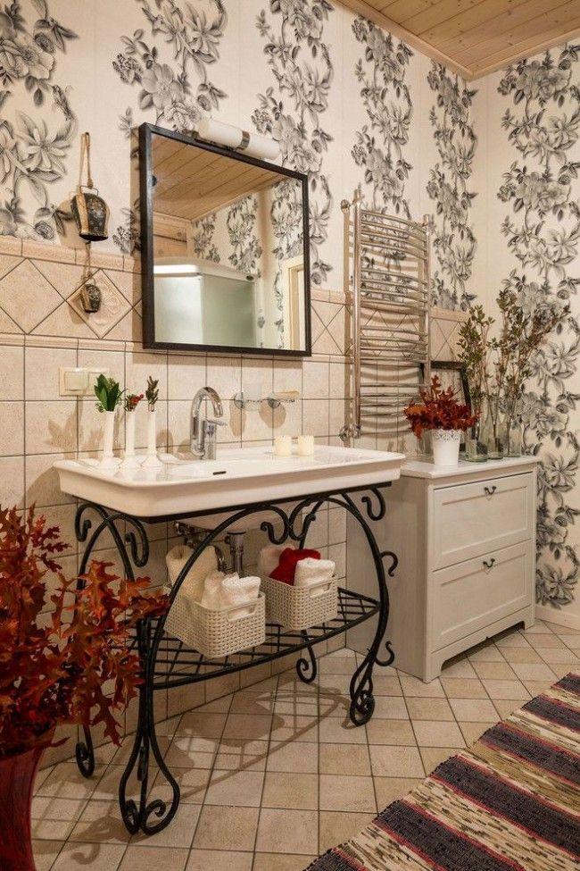 Виниловые обои с рисунком в ванной комнате