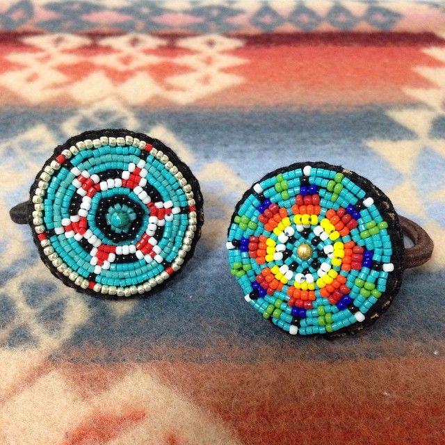 ◯◉ビーズヘアゴム各種 こちらもwebshopにupしました。 自己紹介にURLを添付しています。 ご興味のある方は是非ご覧下さい〜◯◉ #ハンドメイド #handmade #ビーズヘアゴム #ビーズコンチョ #ヘアゴム #summer #fashion #beads #beadswork #ビーズ #ビーズ刺繍 #indianbeads #ネイティブ #native ...