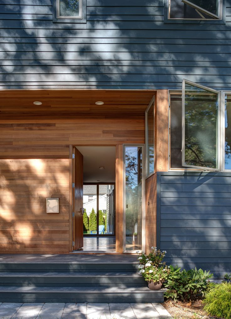 Oak Row House Modern Home in Rutherford, New Jersey by Jeff Jordan… on Dwell